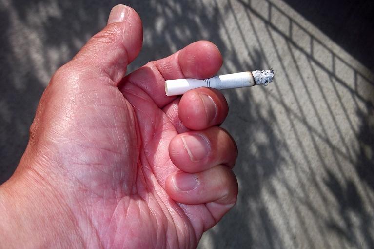 タバコを吸われる方は注意